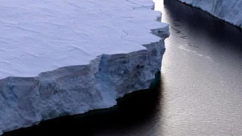 Antarctic ice melt 'quickening'